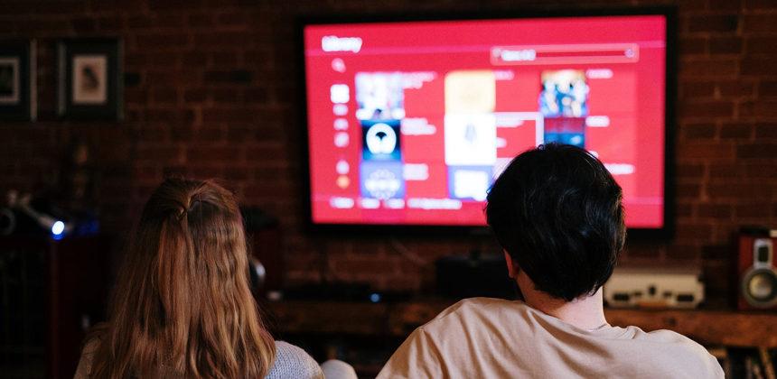 ECCO LA SMART TV, PER VEDERE <br>E INTERAGIRE CON IL TELEVISORE
